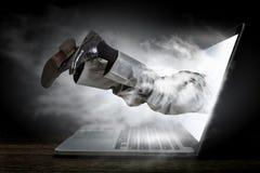 Absorberat av arbete eller teknologier Blandat massmedia Royaltyfri Bild