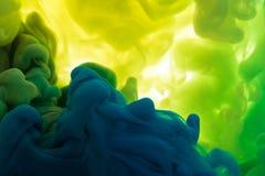 Absract颜色油漆在水中 库存照片