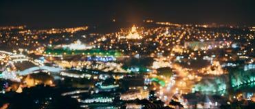 Absract suddig Bokeh arkitektonisk stads- bakgrund av Tbilisi, G Arkivfoton