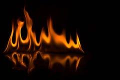 Abstact tapetbrand flammar på svart bakgrund Royaltyfri Fotografi