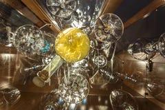 Abstarct bakgrund med flaskan per exponeringsglas Fotografering för Bildbyråer