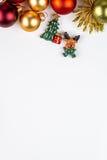 Abstarct julsymboler på vit bakgrund Arkivfoto