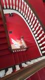 Absteigende Kirchentreppe - abstraktes Muster lizenzfreies stockbild