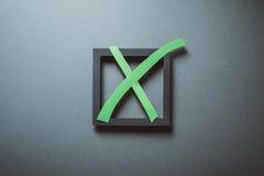 Abstimmung mit einem Kreuz Stockfoto