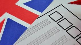 Abstimmungskonventioneller stimmzettel in Großbritannien stock video