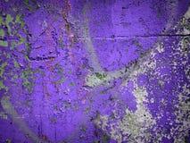 Abstrac pourpre de fond de mur en béton Photographie stock libre de droits