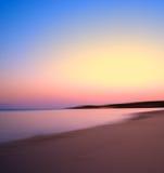 Abstracción ardiente de la puesta del sol de la puesta del sol amarillo claro Imagen de archivo
