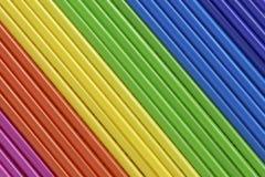 Abstracción de la escala de colores de los tubos de color verticales, espectro del arco iris Fotografía de archivo