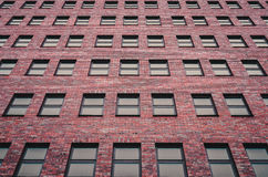 Abstracción de ventanas de un edificio de varios pisos Fotos de archivo