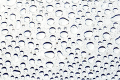 Abstract background - of water droplets on reflective mirror sur Royalty Free Stock Photo