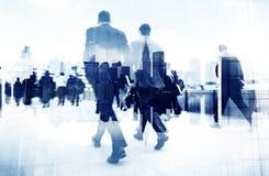 Abstract Beeld van Bedrijfsmensen die op de Straat lopen Stock Foto