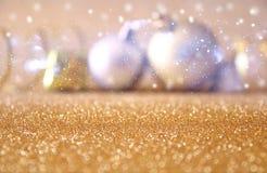 abstract Beeld van de baldecoratie van de Kerstmis feestelijke boom Royalty-vrije Stock Foto's