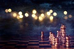 Abstract Beeld van het spel van de schaakraad Bedrijfs, de concurrentie, strategie, leidings en succesconcept Royalty-vrije Stock Afbeeldingen