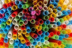 Abstract beeld van kleurrijk plastic buizenclose-up Stock Afbeelding