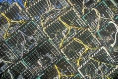 Abstract beeld van stapels zeekreeftvallen op het Eiland van de Onderstelwoestijn, ME Stock Afbeeldingen