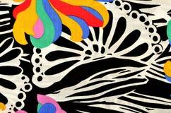 Abstract bloem en cirkelspatroon op stof Stock Afbeeldingen