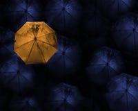 abstract concept leider met met vele dark en oranje umbr Royalty-vrije Stock Foto