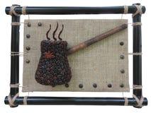 Abstract de pottenconcept van koffiebonen over de achtergrond van het jutecanvas Royalty-vrije Stock Foto's