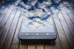 Abstract de wolkenconcept van Smartphone Stock Afbeeldingen