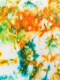 Abstract die ornament van batik op witte zijde wordt geschilderd Stock Fotografie