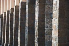 Abstract die patroon van de bouw van kolommen wordt gemaakt Royalty-vrije Stock Fotografie
