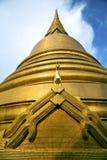 abstract dwars het metaalgoud van Thailand Bangkok in het tempelpaard Royalty-vrije Stock Afbeeldingen