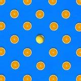 Abstract fruit: opmerkelijk oranje midden rond halve sinaasappelen o Stock Afbeeldingen