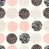 Abstract geometrisch naadloos patroon met dierlijke druk en cirkels Royalty-vrije Stock Afbeelding
