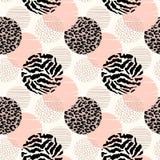 Abstract geometrisch naadloos patroon met dierlijke druk en cirkels royalty-vrije illustratie