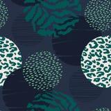 Abstract geometrisch naadloos patroon met dierlijke druk en cirkels Stock Foto