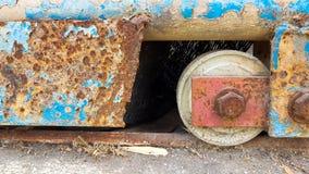 Abstract ijzerwiel met spoedmetaaldeur in abadonplaats Stock Afbeeldingen
