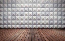 Abstract leeg concreet binnenland met veelhoekig muurpatroon en houten vloer Royalty-vrije Stock Foto's