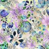 Abstract naadloos leuk bloemenpatroon blauwe, lilac bloemen op een lichte achtergrond Stock Foto's