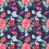 Abstract naadloos leuk bloemenpatroon rode, lilac bloemen op donkerblauwe achtergrond Royalty-vrije Stock Foto's