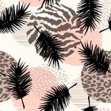 Abstract naadloos patroon met dierlijke druk, tropische planten en geometrische vormen Stock Foto's
