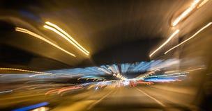 Abstract nachtverkeer stock afbeelding