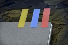 Abstract notitieboekje met het lusje van de kleurennota Royalty-vrije Stock Foto's