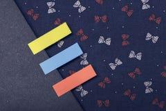 Abstract notitieboekje met het lusje van de kleurennota Stock Foto's