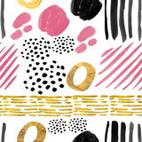 ABSTRACT SEAMLESS PATTERN OF PINK, BLACK, GOLD BRUSH STROKES ON WHITE BACKGROUND royalty free stock image