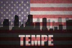 Abstract silhouet van de stad met tekst Tempe bij de uitstekende Amerikaanse vlag Royalty-vrije Stock Afbeelding