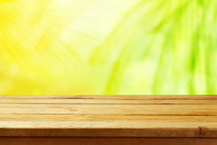 Abstract summer nature background with wooden table Stock Photography
