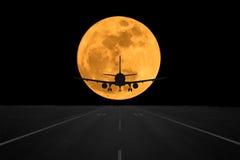 Abstract vliegtuig bij super maan Royalty-vrije Stock Foto