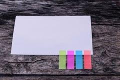 Abstract Witboek met het lusje van de kleurennota leeg document met kleur Stock Fotografie