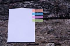 Abstract Witboek met het lusje van de kleurennota Notitieboekje met kleuren Stock Afbeelding