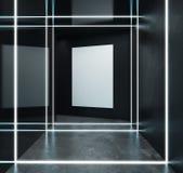 Abstract zwart binnenland met leeg aanplakbord Stock Afbeelding