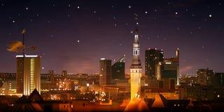 Abstracte aardachtergrond met zonsondergang en cityscape Royalty-vrije Stock Afbeelding