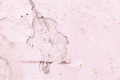 abstracte achtergrond De roze bouw van de muurtextuur met een barst in de vorm van een achtergrond van de nijlpaardclose-up voor  stock afbeelding