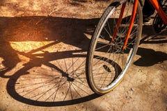 Abstracte achtergrond met een fiets op aard royalty-vrije stock foto