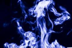Abstracte achtergrond, rook op een blauwe achtergrond royalty-vrije stock foto