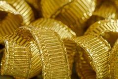 Abstracte achtergrond van gouden lintbundels Stock Foto